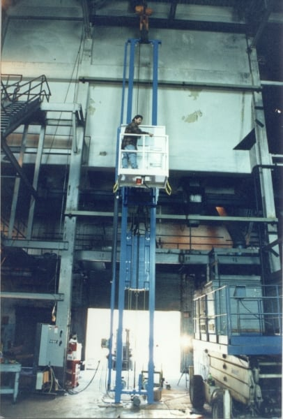 Extended Vertical Height Mast Lifts